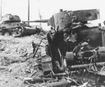 Подбитые БТ-5 и КВ-1С.jpeg
