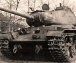 КВ-85 в селе.jpg