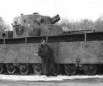 Т-35 с солдатом рядом.jpg