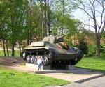Монумент в Великом Новгороде.jpg