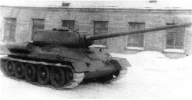 Т-34-100 зимой 1945
