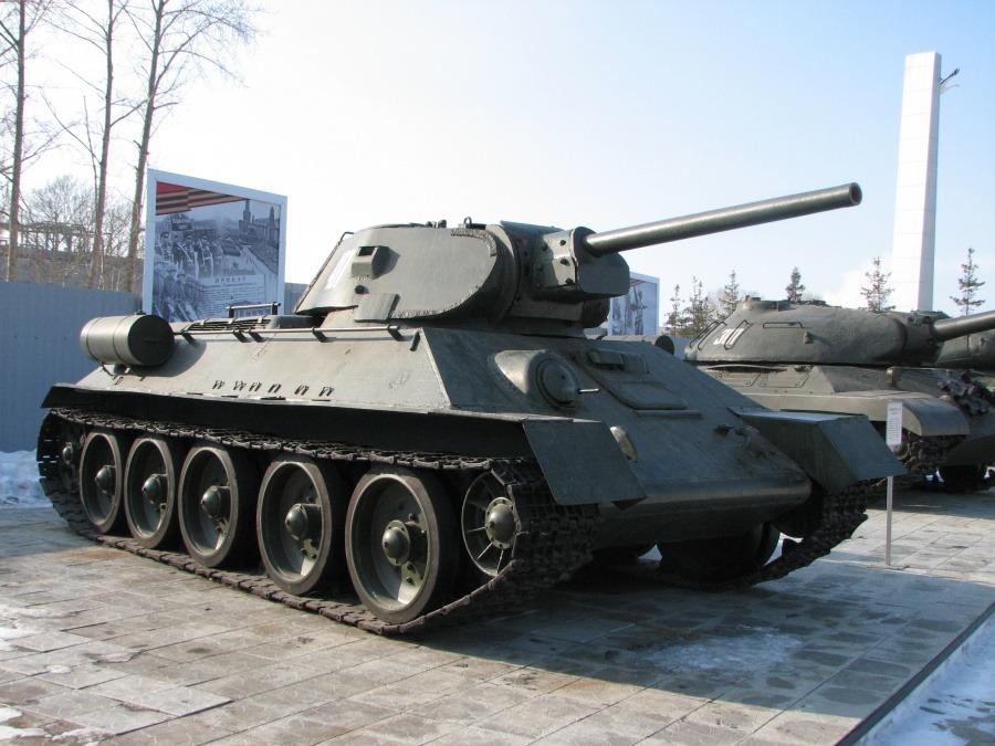 Srednij-tank-T-34-76.jpg